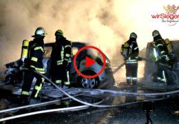 Nächtlicher Brand! Mehrere Pkw wurden Raub der Flammen