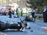 Zwei schwerverletzte Motorradfahrer bei Kollision im Gegenverkehr