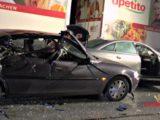 Tödlicher Unfall auf der A45! Lkw erfasst zwei Personen