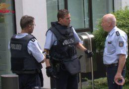 Mit Messer bewaffneter Mann löst Großeinsatz der Polizei aus