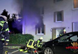 Hausbewohner rettet Senior aus brennender Wohnung